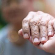FORMATION ACCOMPAGNEMENT DE LA PERSONNE AGEE PAR LE TOUCHER ET LA RELAXATION ECOLE ARNIKA